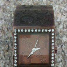 Relojes - Guess: ELEGANTE RELOJ GUESS CON ORIGINAL CADENA DE ACERO Y BRILLANTES O SIMILAR NO MOSTRADOR. Lote 154870886