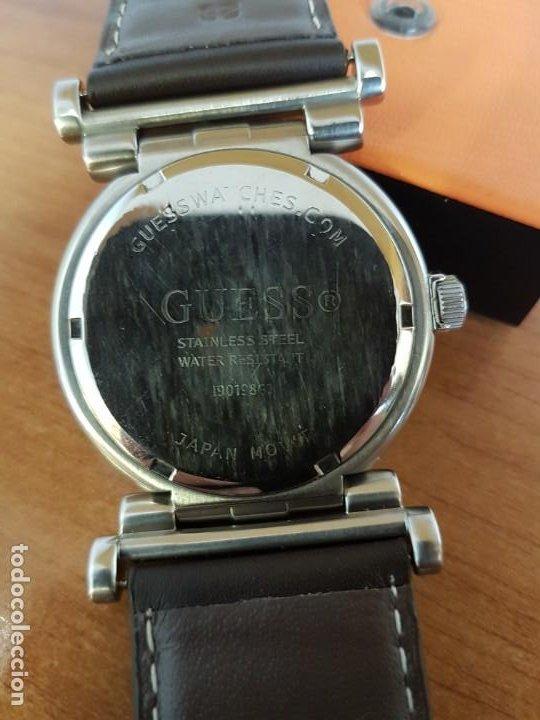 Relojes - Guess: Reloj caballero Guess de acero maquina de cuarzo, corona de rosca, correa de cuero marrón nueva - Foto 17 - 190860391