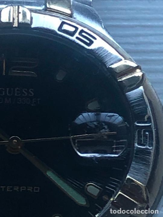 Relojes - Guess: Precioso reloj caballero caja y correa acero bimetálica en funcionamiento. Ver fotos - Foto 2 - 226579995