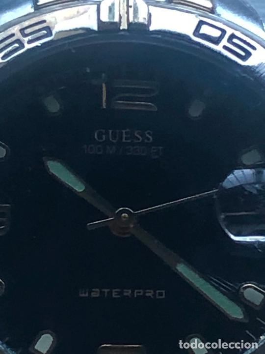 Relojes - Guess: Precioso reloj caballero caja y correa acero bimetálica en funcionamiento. Ver fotos - Foto 3 - 226579995
