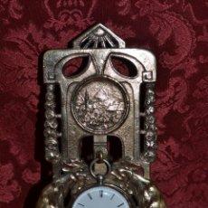 Herramientas de relojes: PRECIOSA RELOJERA ANTIGUA EN BRONCE DORADO DE MUY BONITO DISEÑO,S.XIX. Lote 39341533