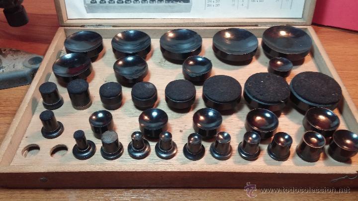 Herramientas de relojes: Juego de tases y prensa antiguos para poner tapaderas a los relojes - Foto 23 - 53390835