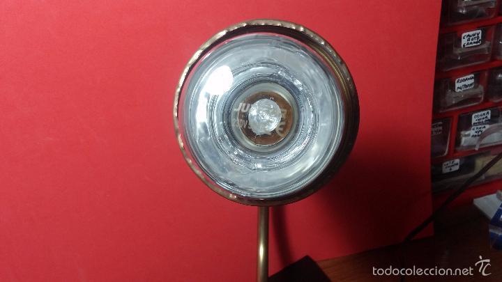 Herramientas de relojes: Antigua lámpara de trabajo de relojería en metal bronce y con partes de cerámica - Foto 11 - 56512868