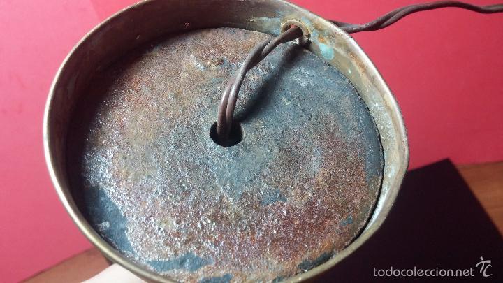 Herramientas de relojes: Antigua lámpara de trabajo de relojería en metal bronce y con partes de cerámica - Foto 12 - 56512868