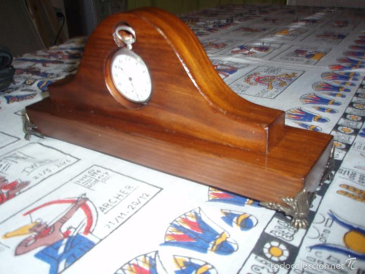 Herramientas de relojes: RELOJERA PORTA RELOJ DE BOLSILLO DE MADERA COLOR CLARA - Foto 2 - 133864090