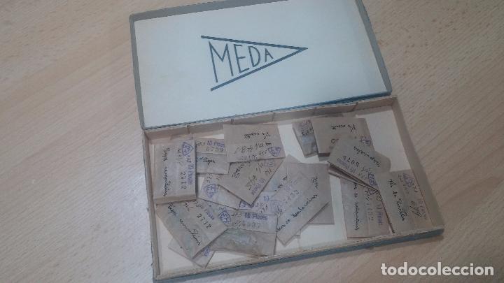 Herramientas de relojes: Muy botita caja de piezas de reloj o relojes, con recambios muy antiques, letras escritas con pluma - Foto 3 - 99319699