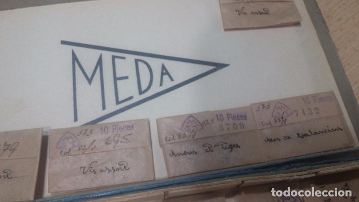 Herramientas de relojes: Muy botita caja de piezas de reloj o relojes, con recambios muy antiques, letras escritas con pluma - Foto 9 - 99319699
