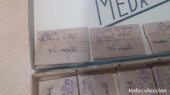Herramientas de relojes: Muy botita caja de piezas de reloj o relojes, con recambios muy antiques, letras escritas con pluma - Foto 10 - 99319699