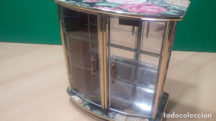 Herramientas de relojes: Botita caja vitrina expositora con luz para guardar reloj relojes o lo que se quiera - Foto 3 - 99891335