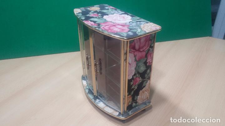 Herramientas de relojes: Botita caja vitrina expositora con luz para guardar reloj relojes o lo que se quiera - Foto 12 - 99891335