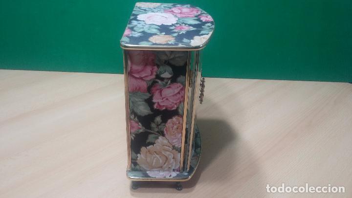 Herramientas de relojes: Botita caja vitrina expositora con luz para guardar reloj relojes o lo que se quiera - Foto 15 - 99891335
