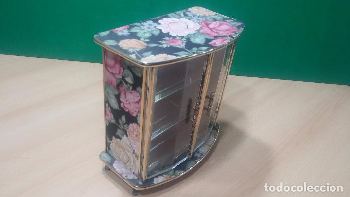 Herramientas de relojes: Botita caja vitrina expositora con luz para guardar reloj relojes o lo que se quiera - Foto 16 - 99891335