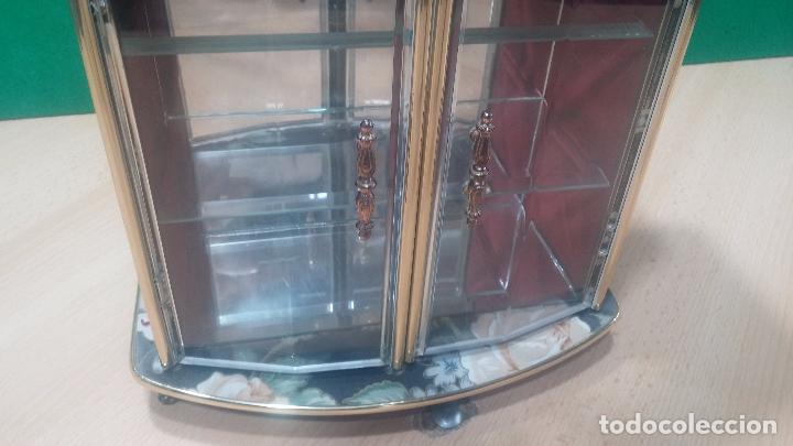 Herramientas de relojes: Botita caja vitrina expositora con luz para guardar reloj relojes o lo que se quiera - Foto 17 - 99891335