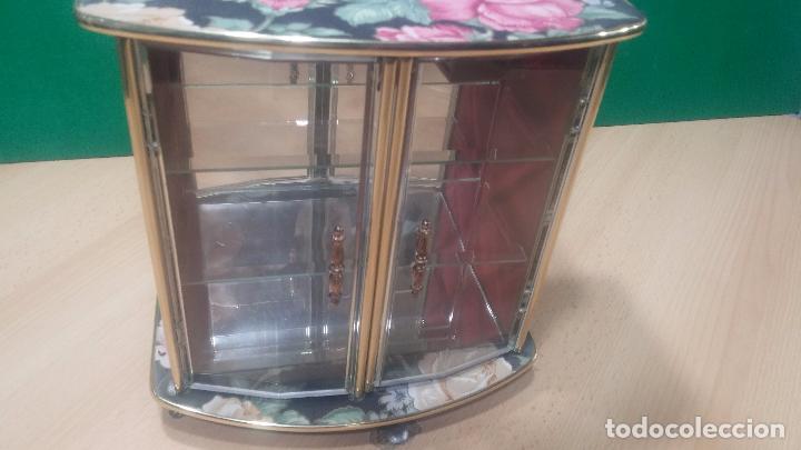Herramientas de relojes: Botita caja vitrina expositora con luz para guardar reloj relojes o lo que se quiera - Foto 19 - 99891335