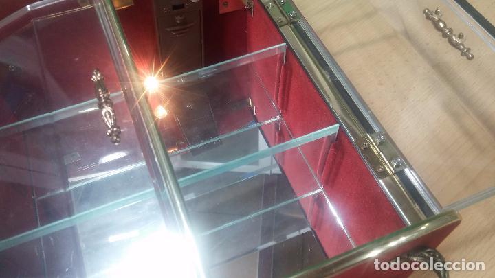 Herramientas de relojes: Botita caja vitrina expositora con luz para guardar reloj relojes o lo que se quiera - Foto 23 - 99891335
