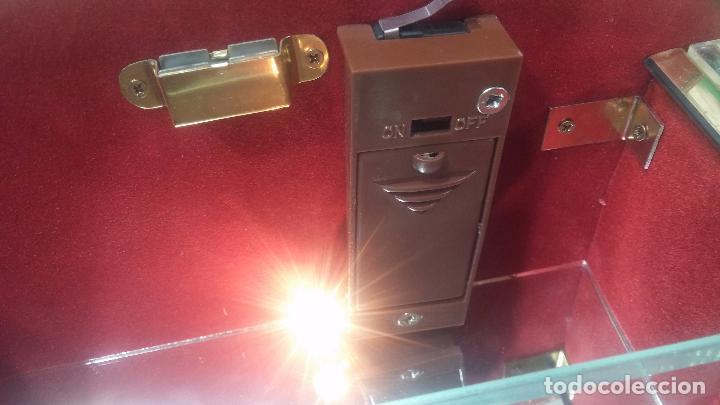 Herramientas de relojes: Botita caja vitrina expositora con luz para guardar reloj relojes o lo que se quiera - Foto 25 - 99891335