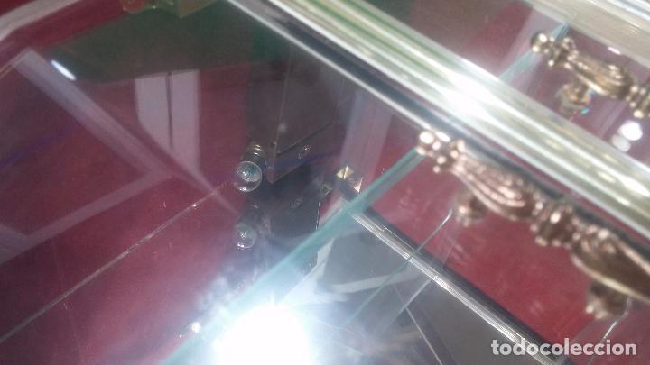 Herramientas de relojes: Botita caja vitrina expositora con luz para guardar reloj relojes o lo que se quiera - Foto 29 - 99891335