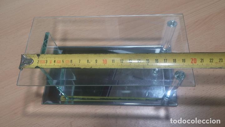 Herramientas de relojes: Pequeña vitrina expositora para reloj o relojes - Foto 13 - 99910199