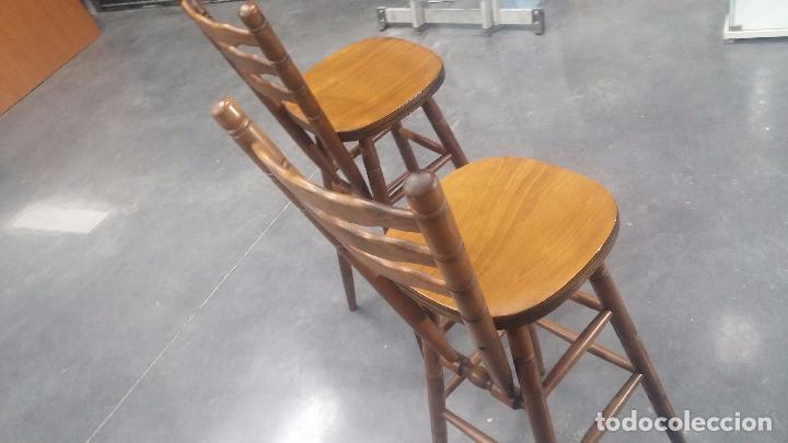 Herramientas de relojes: Dos taburetes con respaldo ideal para taller de relojero, de madera maciza en muy buen estado - Foto 41 - 101169899