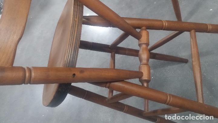 Herramientas de relojes: Dos taburetes con respaldo ideal para taller de relojero, de madera maciza en muy buen estado - Foto 47 - 101169899