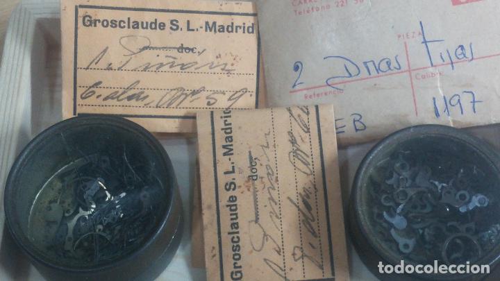 Herramientas de relojes: Botita caja de madera con más de 100 coronas de reloj y algunas fornituras para relojes de regalo - Foto 27 - 115585987