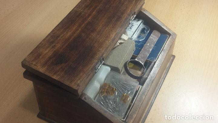 Herramientas de relojes: Botita caja relojera con gran cantidad de artículos para relojes antiguos - Foto 19 - 115590259