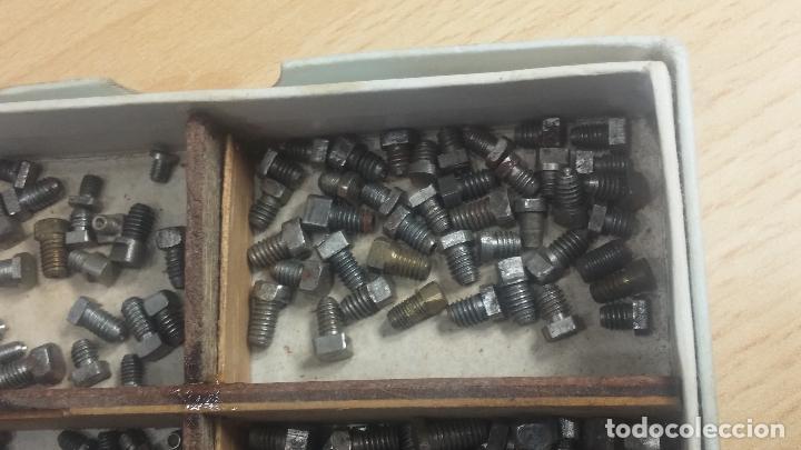 Herramientas de relojes: Botita caja relojera con gran cantidad de artículos para relojes antiguos - Foto 70 - 115590259