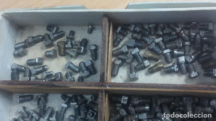 Herramientas de relojes: Botita caja relojera con gran cantidad de artículos para relojes antiguos - Foto 71 - 115590259
