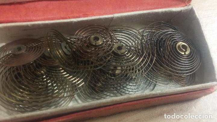 Herramientas de relojes: Botita caja relojera con gran cantidad de artículos para relojes antiguos - Foto 83 - 115590259