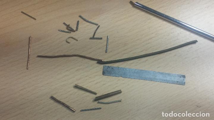 Herramientas de relojes: Botita caja relojera con gran cantidad de artículos para relojes antiguos - Foto 95 - 115590259