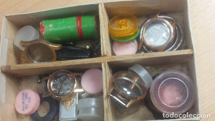 Herramientas de relojes: Botita caja relojera con gran cantidad de artículos para relojes antiguos - Foto 102 - 115590259