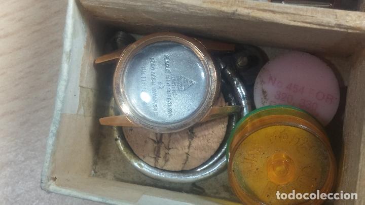 Herramientas de relojes: Botita caja relojera con gran cantidad de artículos para relojes antiguos - Foto 111 - 115590259