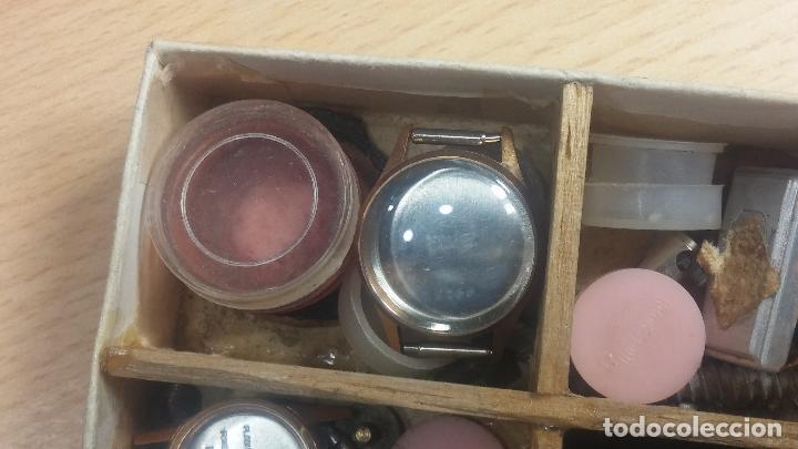 Herramientas de relojes: Botita caja relojera con gran cantidad de artículos para relojes antiguos - Foto 112 - 115590259
