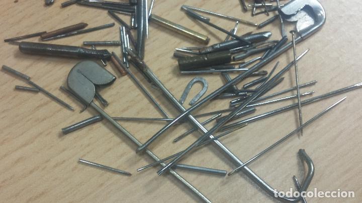 Herramientas de relojes: Botita caja relojera con gran cantidad de artículos para relojes antiguos - Foto 117 - 115590259