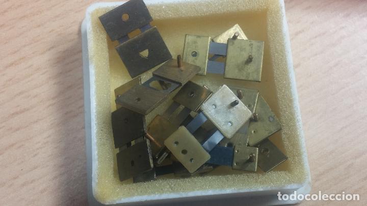 Herramientas de relojes: Botita caja relojera con gran cantidad de artículos para relojes antiguos - Foto 123 - 115590259