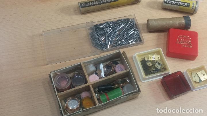 Herramientas de relojes: Botita caja relojera con gran cantidad de artículos para relojes antiguos - Foto 148 - 115590259