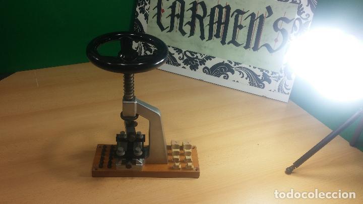 3cd432e41 Herramientas de relojes: Llave Bergeon especialmente concebida para abrir y  cerrar las cajas de relojes
