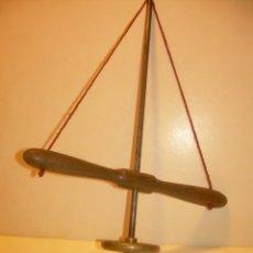 Herramientas de relojes: ANTIGUO BERBIQUI DE BRONCE Y ACERO...MUY BUEN ESTADO DE CONSERVACION.. Lote 132981758