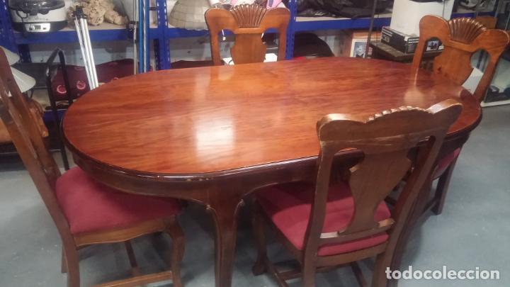 Herramientas de relojes: Espectacular mesa con 4 fantásticas sillas antiquísimas podría servir para exponer relojes antiguos - Foto 17 - 137007982