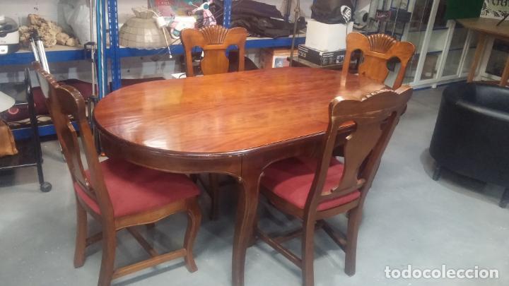 Herramientas de relojes: Espectacular mesa con 4 fantásticas sillas antiquísimas podría servir para exponer relojes antiguos - Foto 18 - 137007982