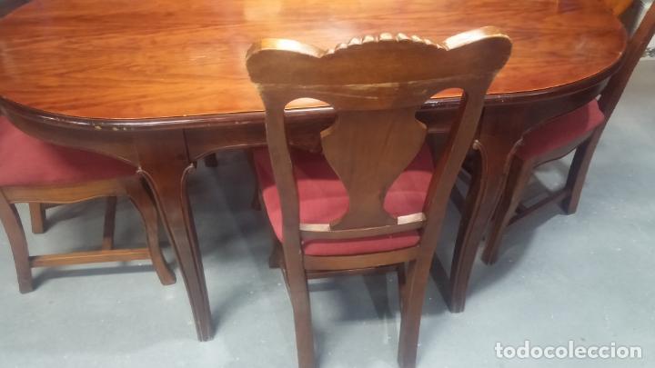 Herramientas de relojes: Espectacular mesa con 4 fantásticas sillas antiquísimas podría servir para exponer relojes antiguos - Foto 19 - 137007982