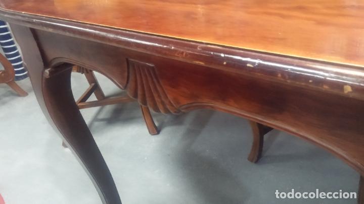 Herramientas de relojes: Espectacular mesa con 4 fantásticas sillas antiquísimas podría servir para exponer relojes antiguos - Foto 25 - 137007982