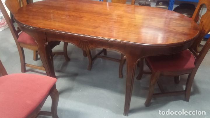 Herramientas de relojes: Espectacular mesa con 4 fantásticas sillas antiquísimas podría servir para exponer relojes antiguos - Foto 28 - 137007982