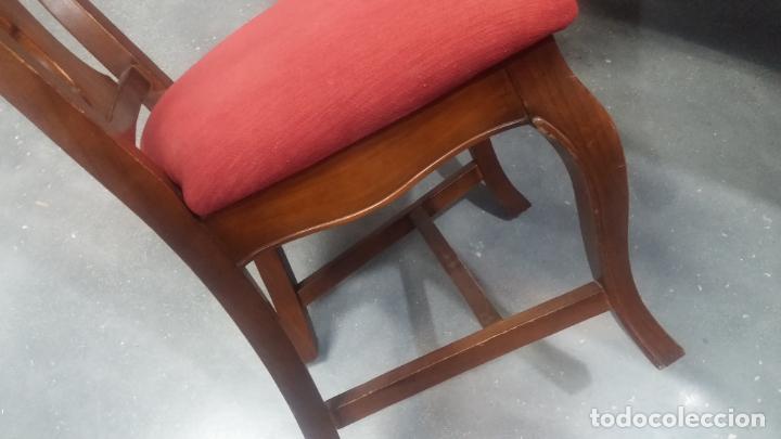 Herramientas de relojes: Espectacular mesa con 4 fantásticas sillas antiquísimas podría servir para exponer relojes antiguos - Foto 33 - 137007982