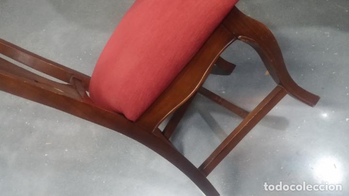 Herramientas de relojes: Espectacular mesa con 4 fantásticas sillas antiquísimas podría servir para exponer relojes antiguos - Foto 34 - 137007982
