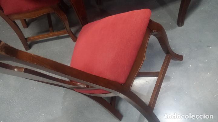 Herramientas de relojes: Espectacular mesa con 4 fantásticas sillas antiquísimas podría servir para exponer relojes antiguos - Foto 35 - 137007982