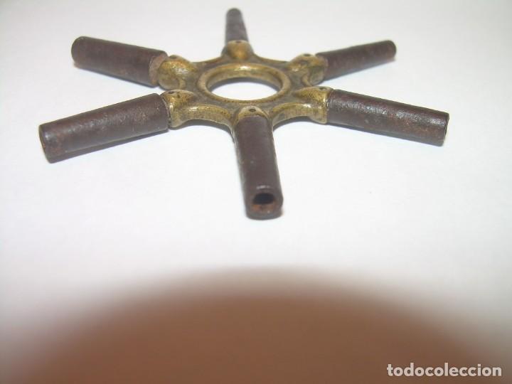 Herramientas de relojes: ANTIGUA LLAVE PARA RELOJES DE BOLSILLO CON DIFERENTES MEDIDAS....SIGLO XIX. - Foto 6 - 140111206