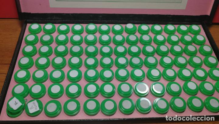 Herramientas de relojes: Antigua caja para clasificar repuestos de reloj o relojería, con gran cantidad de estuches capsulas - Foto 8 - 140593930