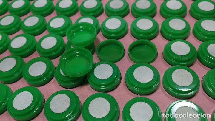 Herramientas de relojes: Antigua caja para clasificar repuestos de reloj o relojería, con gran cantidad de estuches capsulas - Foto 9 - 140593930