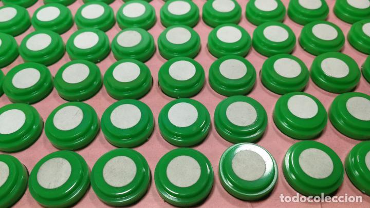 Herramientas de relojes: Antigua caja para clasificar repuestos de reloj o relojería, con gran cantidad de estuches capsulas - Foto 23 - 140593930